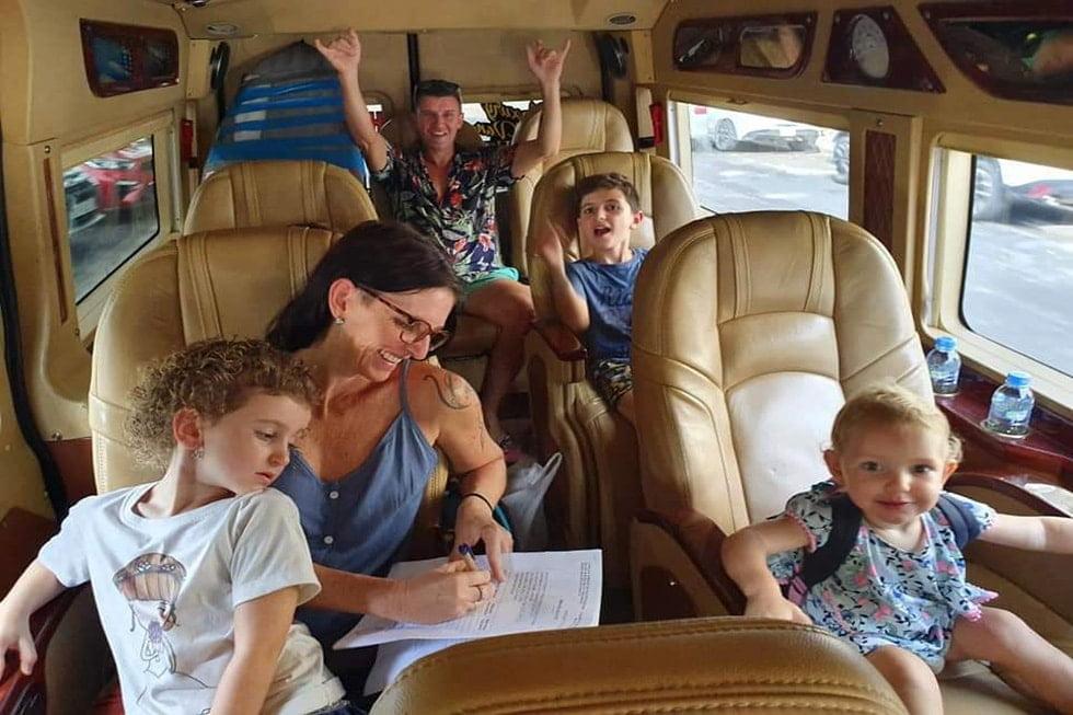 Luxury-Van-Limousine-Family-min