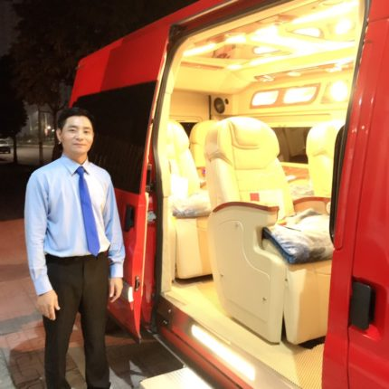 Red limousine 3
