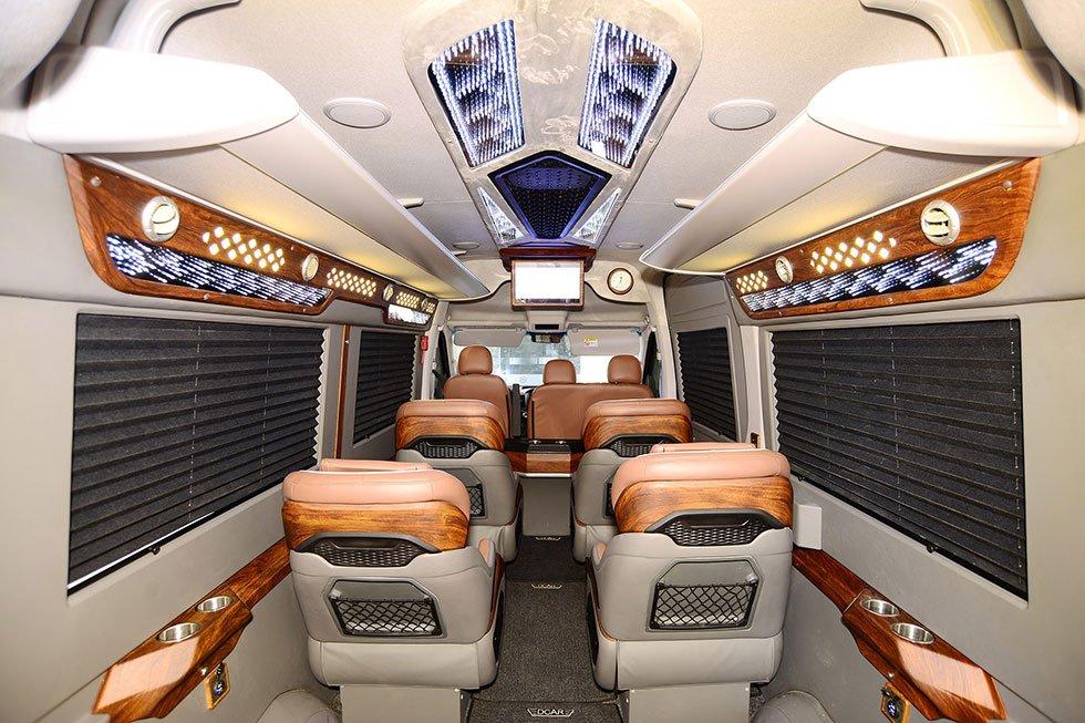 Trang-An-Limousine-02